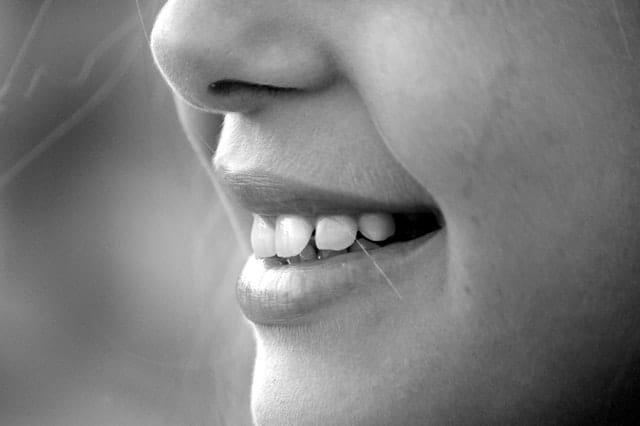 Tænder på patient hos tandlæge i Vedbæk